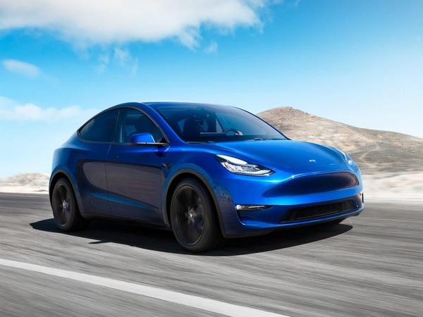 the-Tesla-Model-Y-angular-front