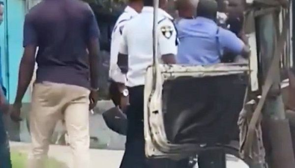 image-of-police-and-vio-fighting-in-lagos