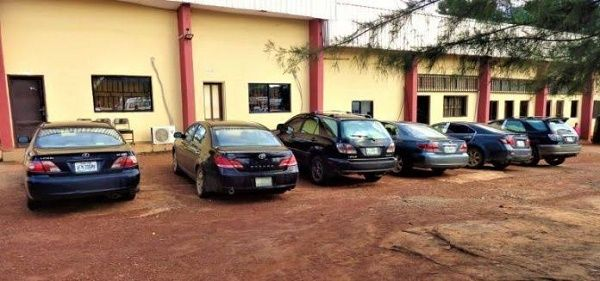 6-cars-recovered-from-27-yahoo-boys