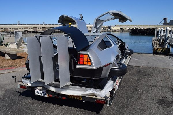 image-of-delorean-hovercraft-rear-view