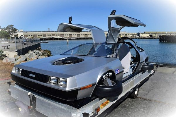 image-of-delorean-hovercraft-front-view