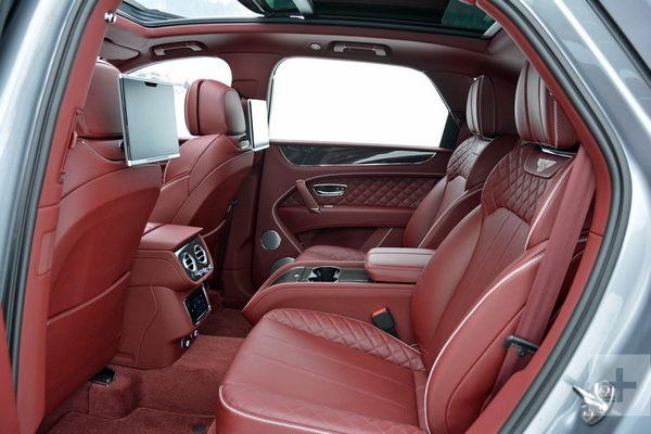 2019-Bentley-Bentayga-back-row-interior
