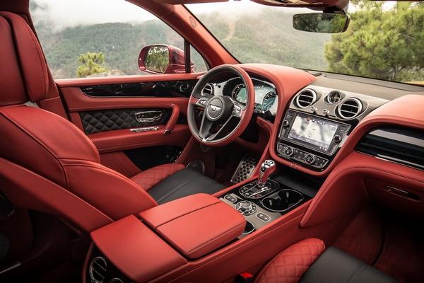Bentley-Bentayga-2019-front-row-interior