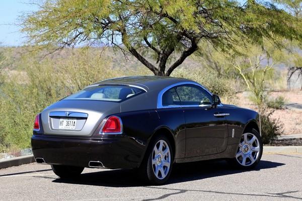 Rolls-Royce-Wraith-rear-view