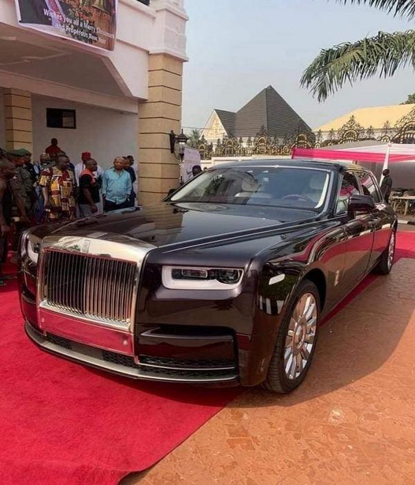 Rolls-Royce-Phantom-of-chief-Arthur