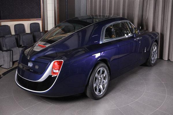Rolls-royce-sweptail-rear-view