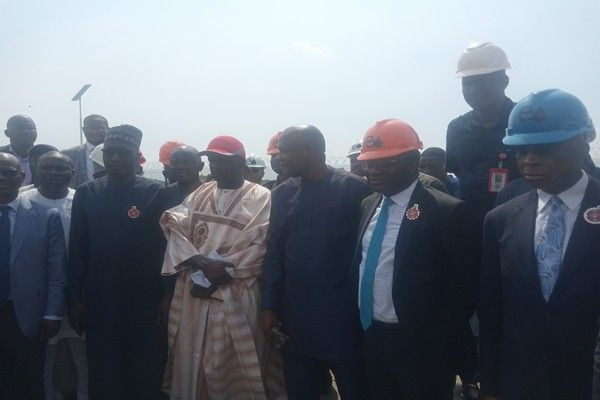 nnpc-boss-at-ijegun-egba-road-inspection