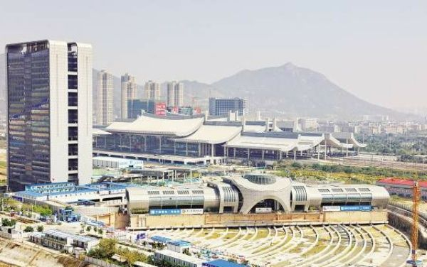 image-of-30000-tonne-xiamen-bus-terminal-side-view