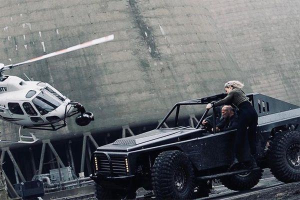 image-of-Rock-Crawler-in-hobbs-and-shaw