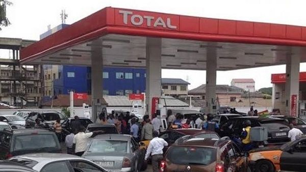 fuel-scarcity-at-border-filling-station