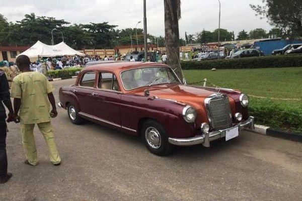 esmond-elliot-vintage-car