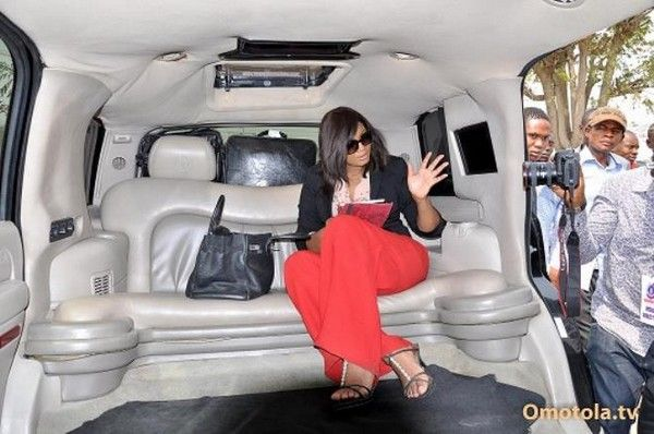 omotola-jalade-ekeinde-in-limousine