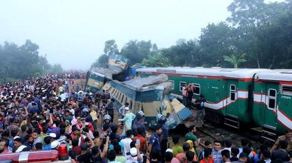 Bangladesh-train-crash