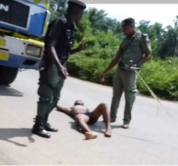 Driver-stripped-naked-by-police