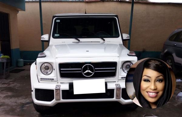 Rita-Dominic-and-black-Mercedes-G-Wagon