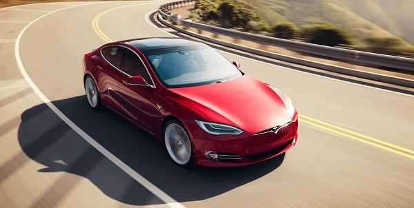 image-of-tesla-model-acceleration-on-the-road