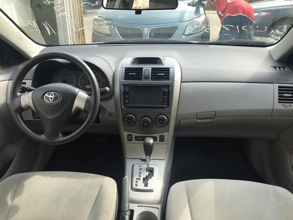 cabin-view-of-toyota-corolla-2013