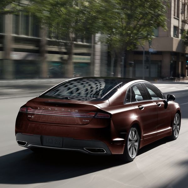 Lincoln-MKZ-rear-view