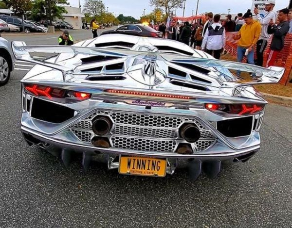image-of-holographic-aventador-svj-rear-view