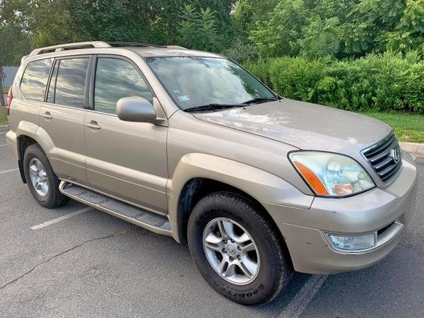 angular-front-of-the-2003-lexus-GX-470
