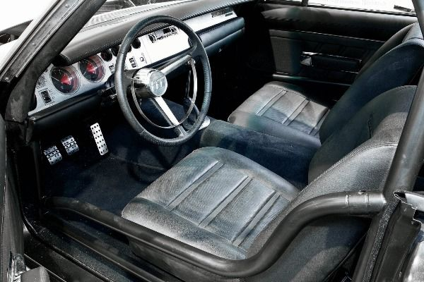 The-dashboard-and-leather-seats-in-the-1968-Dodge-Charger-Maximus
