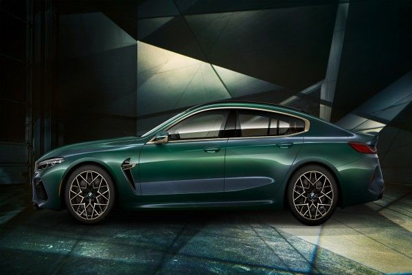 Side-view-of-the-2020-BMW-M8-Gran-Coupe-Concept