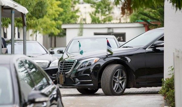 nigerian-president-car-and-convoy