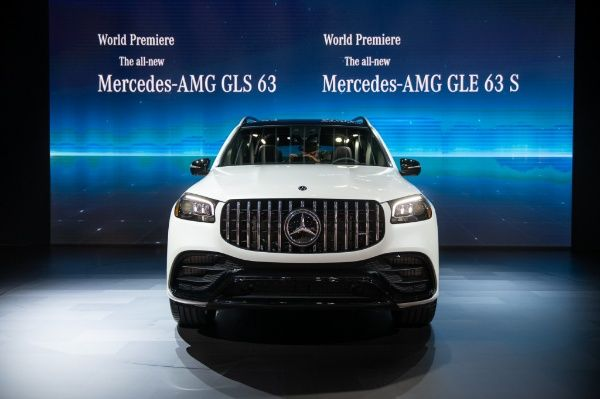 image-of-2021-mercedes-amg-gls-63-front-view-at-l.a-auto-show