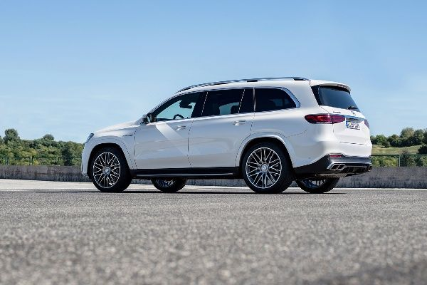image-of-2021-mercedes-amg-gls-63-rear-and-side-view