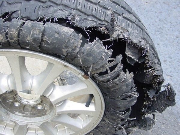 tire-blowing-up