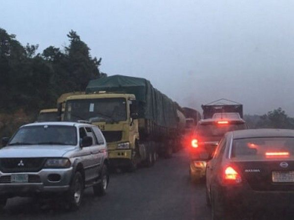 lagos-ibadan-traffic-at-night