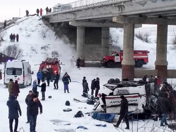 bus-fell-off-bridge