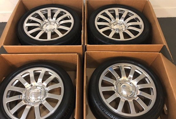 image-of-bugatti-veyron-wheels-and-tires