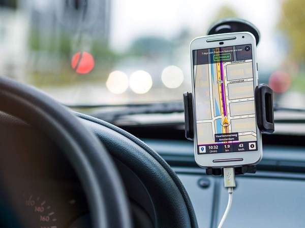Smartphone-dash-mount