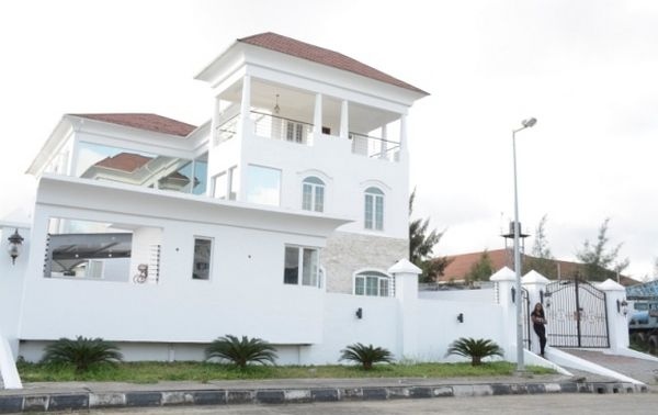 Linda-Ikeji's-banana-Island-mansion