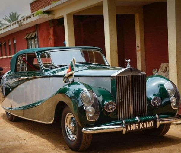 image-of-emir-of-kano-1952-rolls-royce-silver-wraith