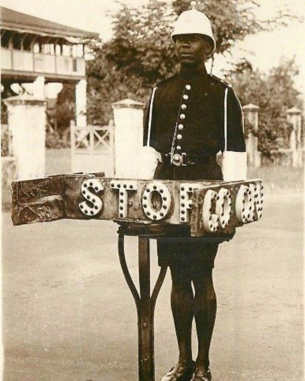 Traffic-sign-post-in-lagos-before-independence