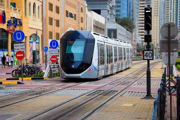 image-of-dubai--tram-01