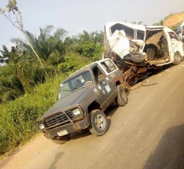 image-of-peace-transit-accident-on-benin-ore-road