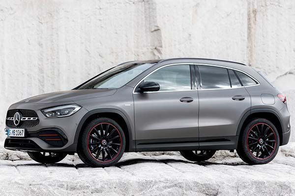 image-of-mercedes-benz-gla-2021-side-view