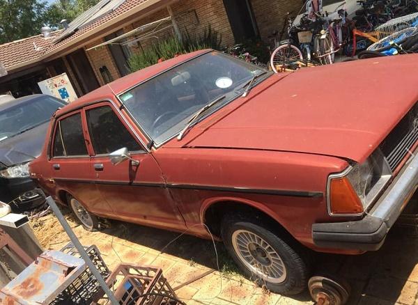 old-datsun-car