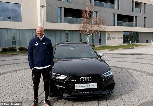 Zinedine-Zidane-audi-car
