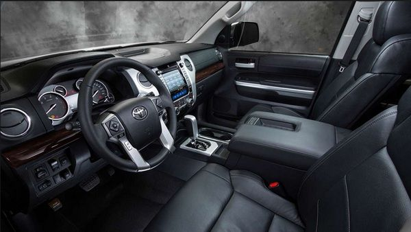 Interior-of-Toyota-Tundra