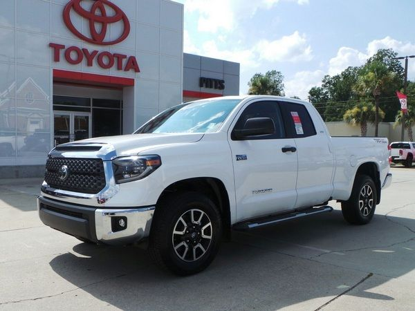 angular-front-of-Toyota-Tundra