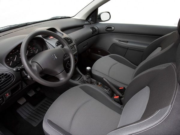 interior-of-the-Peugeot-206