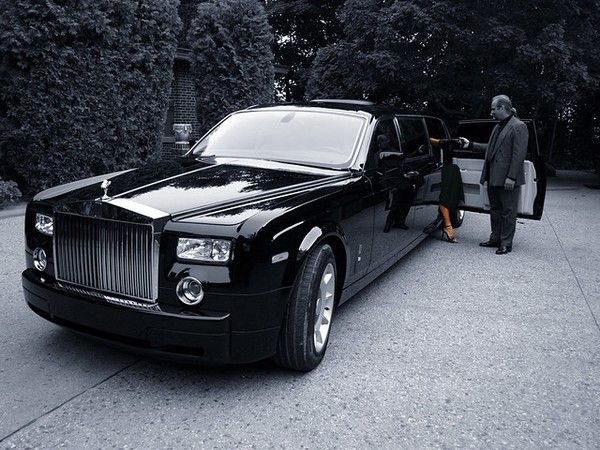 rolls-royce-phantom-black-tie