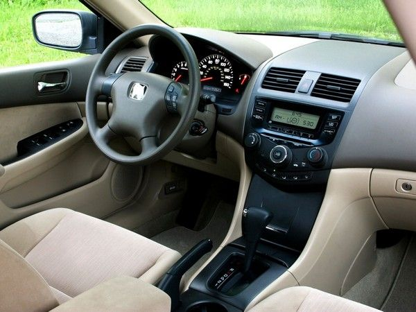 honda-accord-2004-interior
