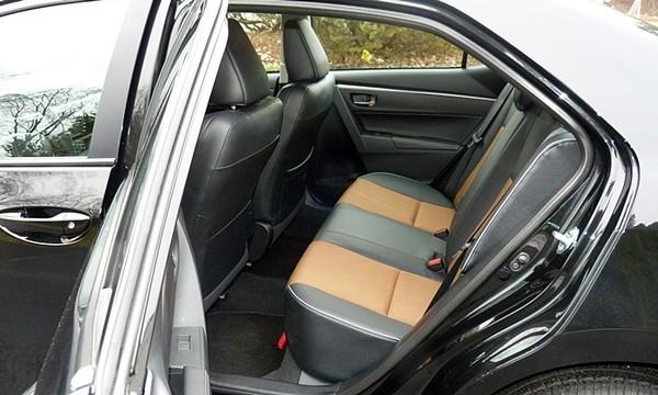 corolla-2014-rear-seats