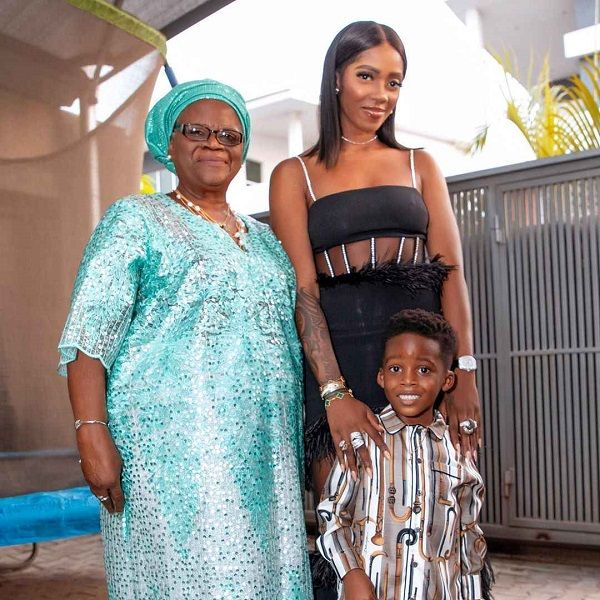 Adorable-photo-of-Tiwa-Savage-her-son-and-mother