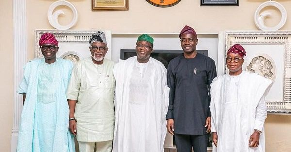 South-west-governors-taking-a-photo-together